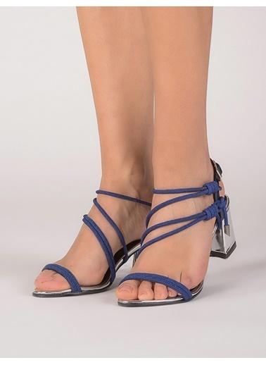 Mecrea Kalın Topuklu Sandalet Lacivert